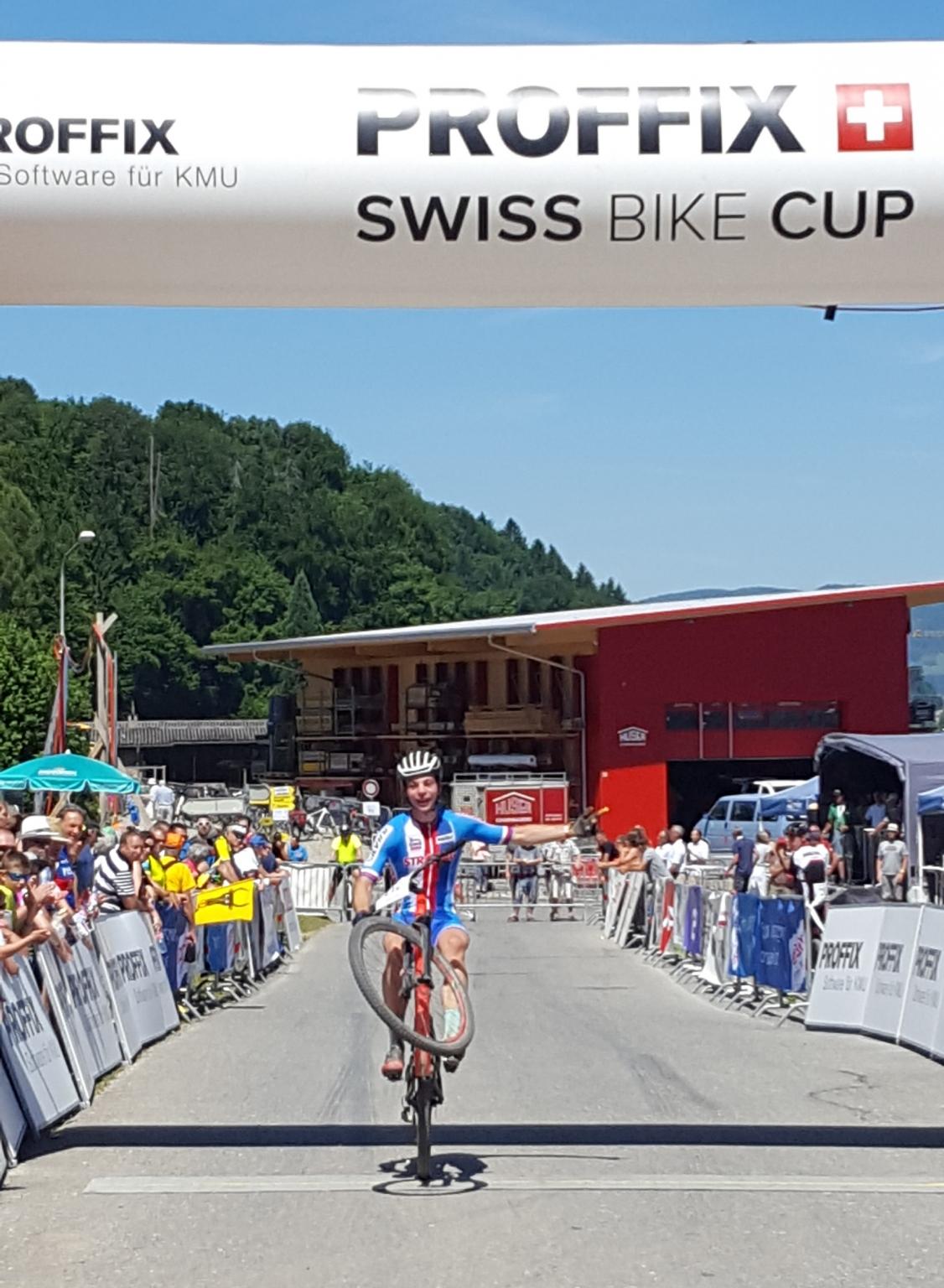 David Zadák druhý v Juniorské světové sérii horských kol v Gränichenu!