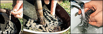 Řetěz rozpojíme a začneme čistit