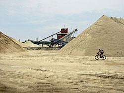 Jedna z více pískoven na začátku cesty, tentokrát nedaleko Nové Vsi nad Lužnicí