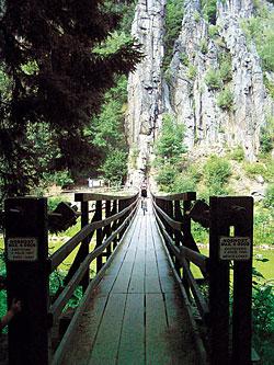 Svatošské skály nedaleko hradu Loket patřily k nejpůsobivějším úsekům trasy.
