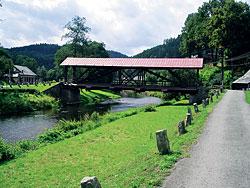 Dřevěný mostek před Úpicí