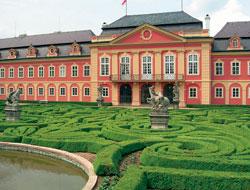 Zahrada zámku Dobříš