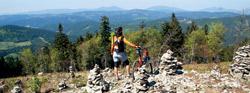 Velký Javorník a pohled na Vsetínské vrchy a Beskydy