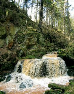 Vodopády u Odlezelského jezírka
