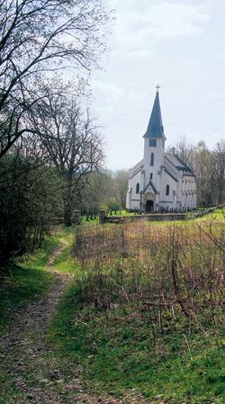Kostel v Zadní Zvonkové nedaleko hraničního přechodu